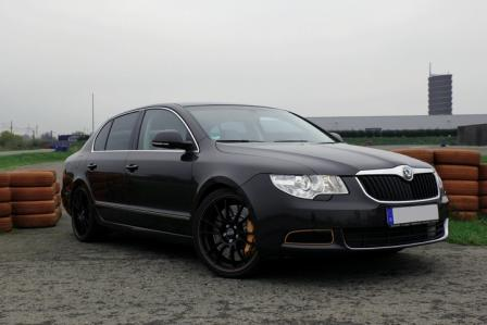 Škoda Superb 3,2 V6 Turbo Rothe!